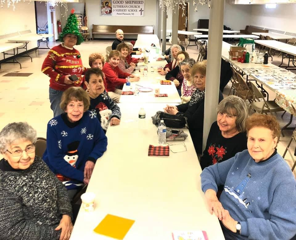 Crest-Pointe-Holiday-Luncheon-And-Painting-Good-shepherd-Lutheran-Church-1