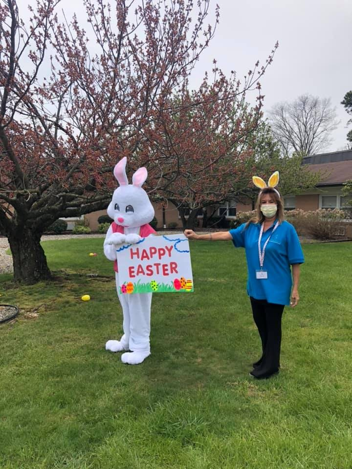 Crest-Pointe-Easter-Bunny-4