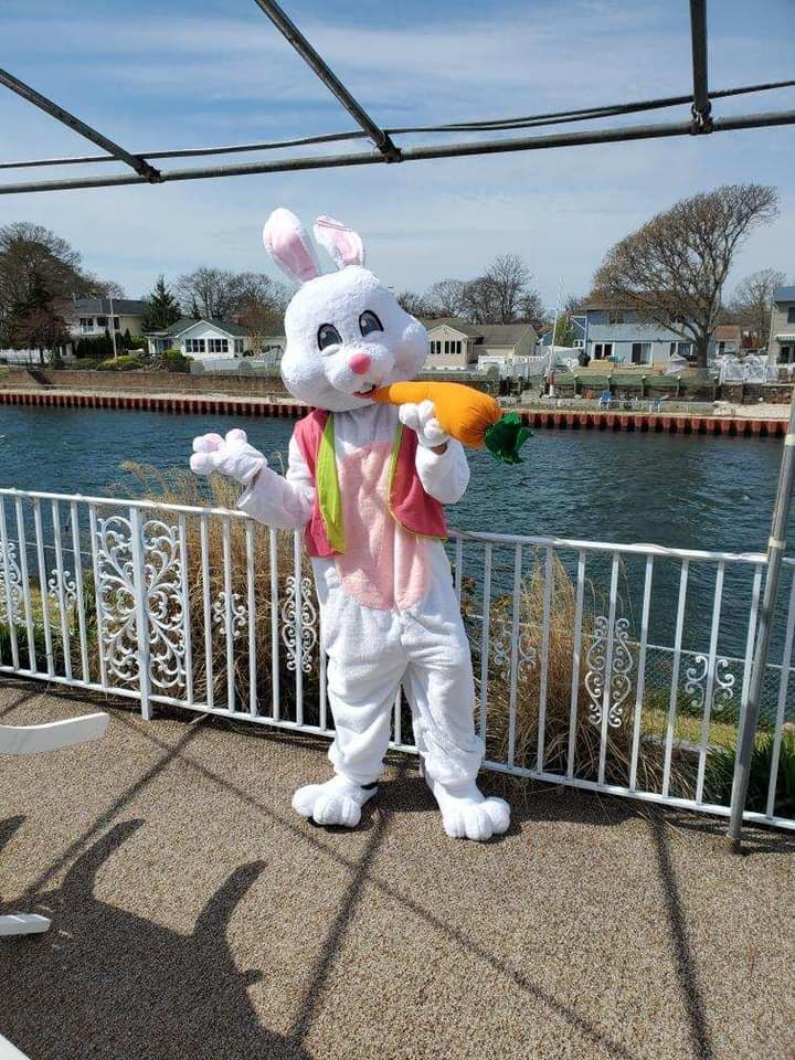 Crest-Pointe-Easter-Bunny-7